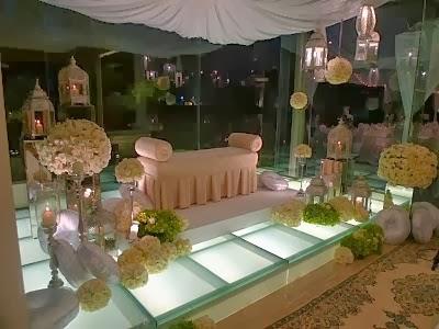 http://mii-and-himm.blogspot.com/2014/01/wedding-ideas-pelamin-idaman.html
