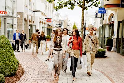 Ψώνια σε φθηνά Outlet Village