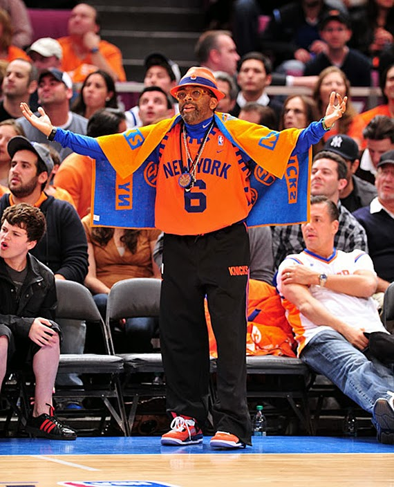 Spike Lee is a loyal New York Knicks fan