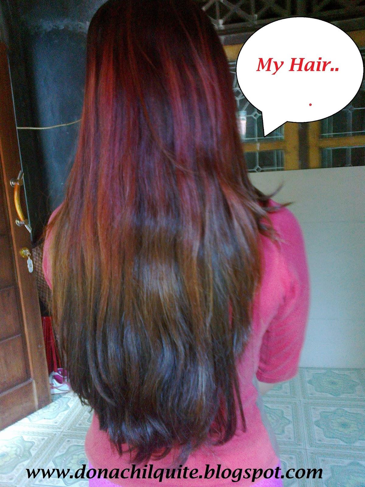 Itu adalah hasil pewarnaan rambut yang aku lakukan di Warnanya sama sekali tidak merata terlihat warna