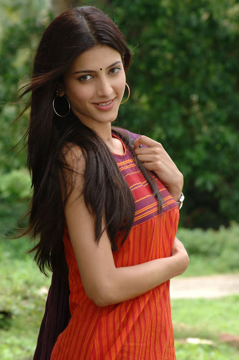 shruthi han new from 7th sense, shruthi han new glamour  images