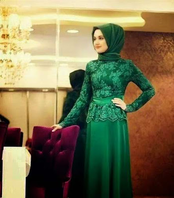Model kebaya muslim wisuda simple