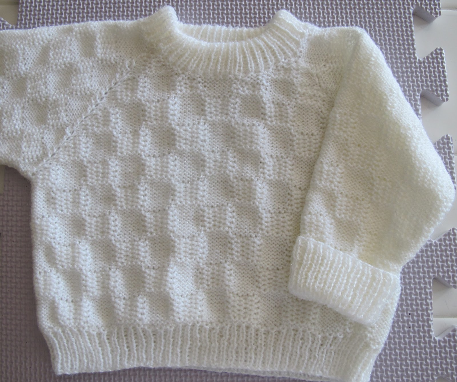 Knitting Pattern Raglan Sleeve Baby Cardigan : TOM MACHINE KNITTING GUY: Machine Knit Babys Raglan ...