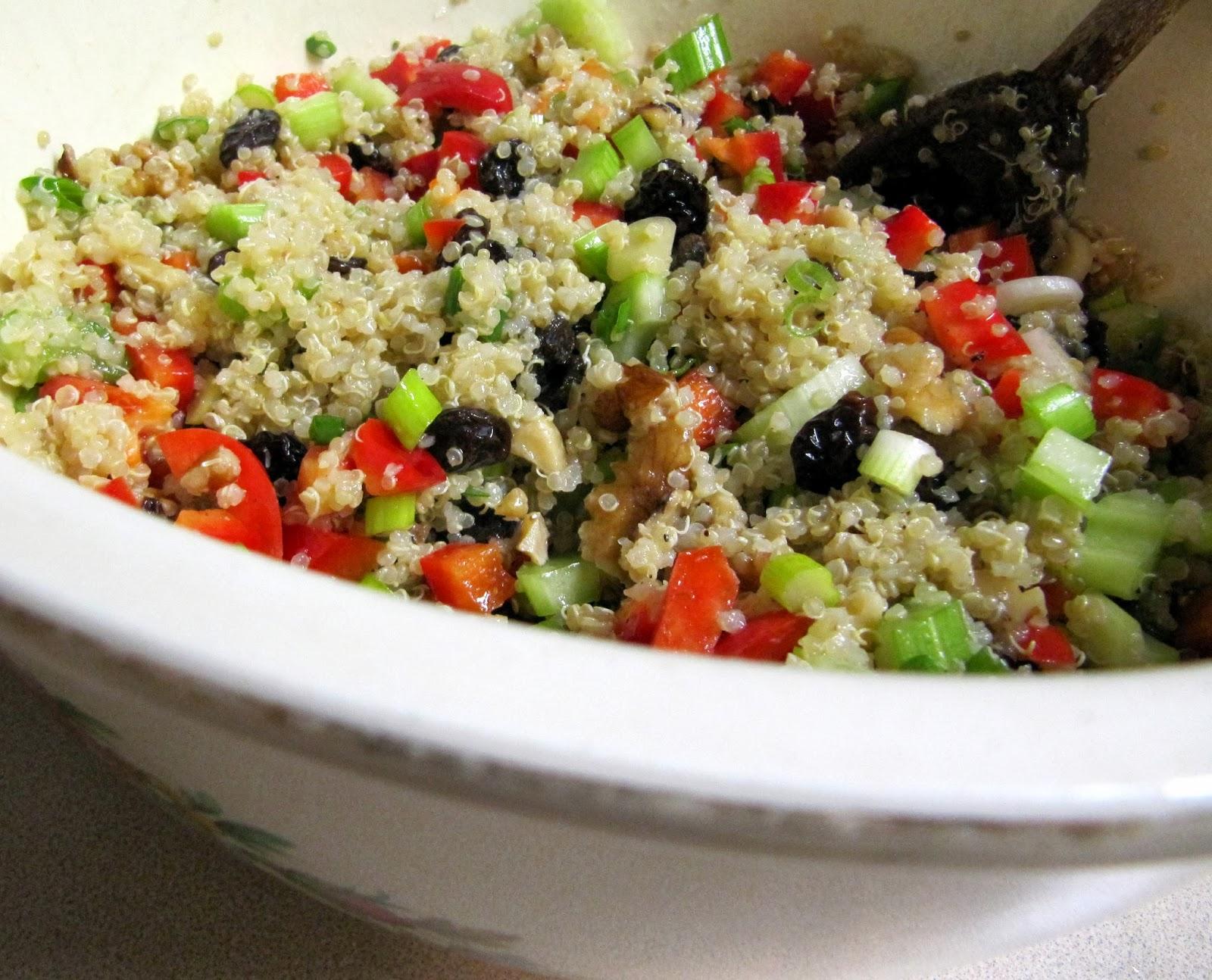 Grad Gastronomy: Easy Quinoa Salad