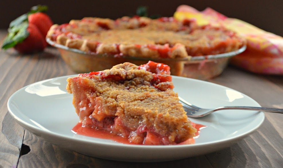 Strawberry Rhubarb Pie With Crumb Topping - Serena Bakes Simply From ...