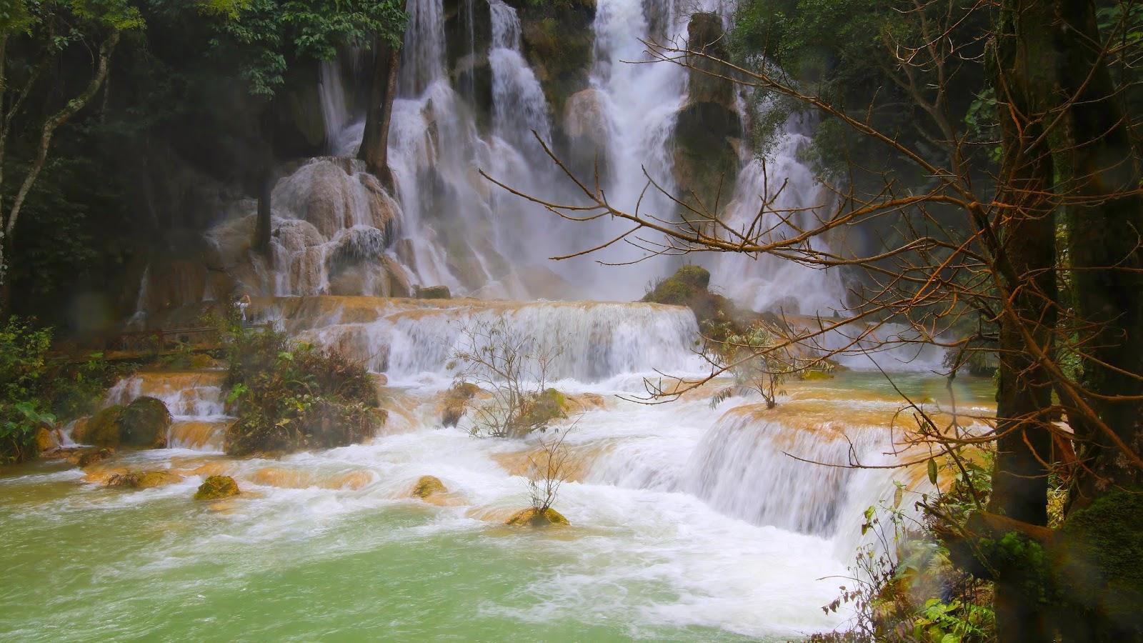LAOS; Las cataratas Kuang Si en Luang Prabang