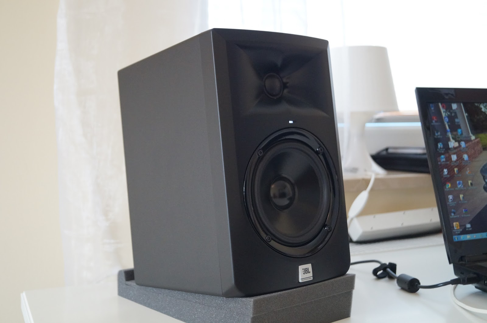 JBL LSR305 Is As KRK Bi Amplified Active Studio Monitor Designed To Work In Nearfield Judging By The Specs Has More Power Than