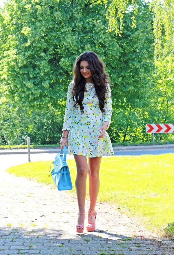 Vestidos de moda color celeste