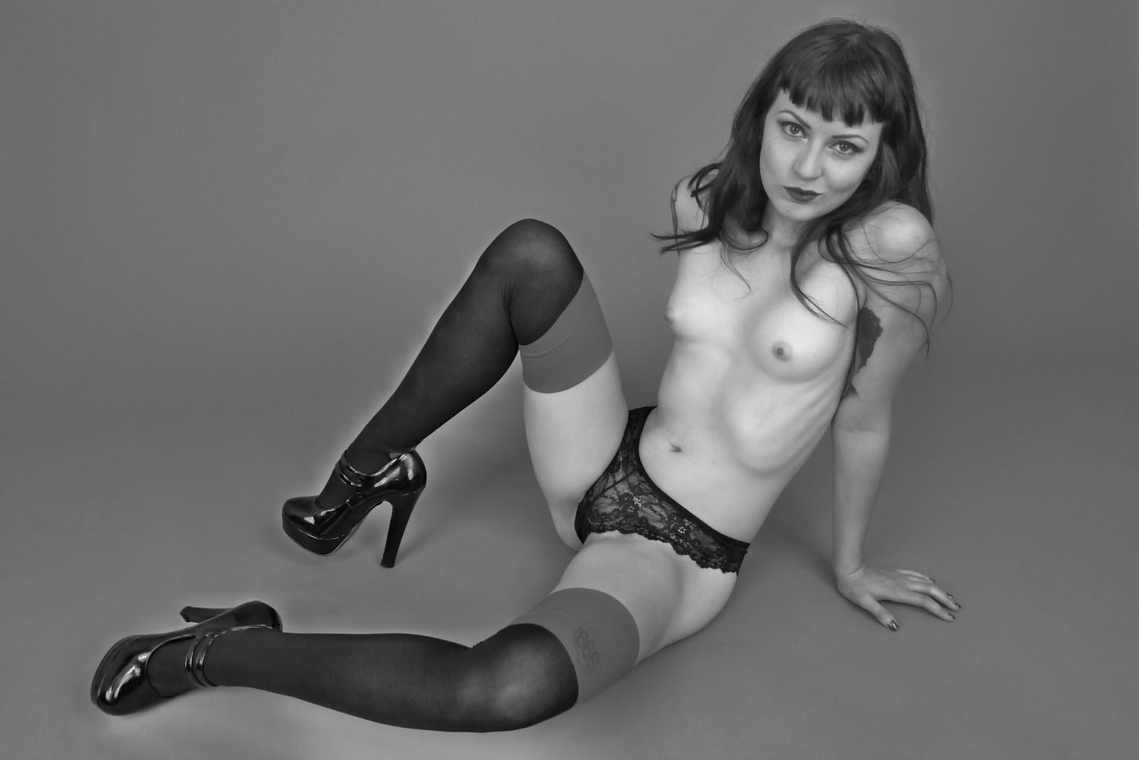 atlanta-dominant-femdom-hot-twin-female-sex