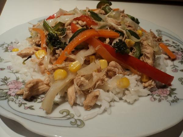 Wok pollo y verduras cocinar en casa es for Cocinar wok en casa
