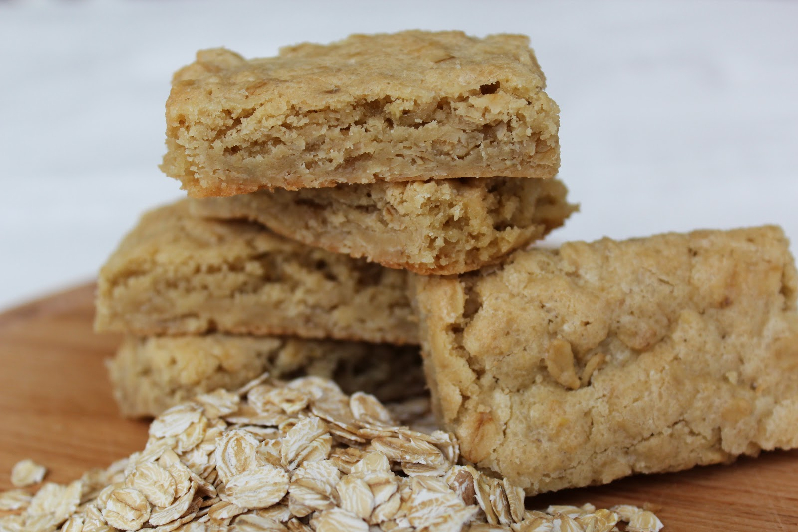 Nuts about food: Oatmeal blondies