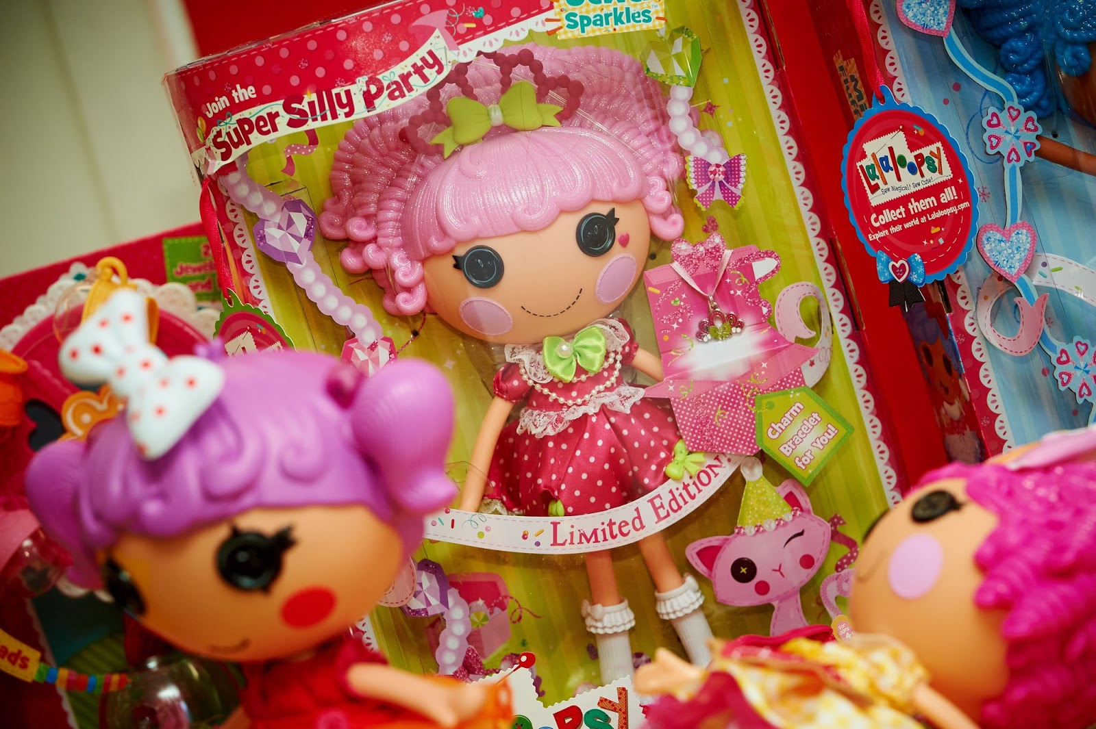 Lalaloopsy Toy Food : Lalaloopsy s super silly party modern mummy