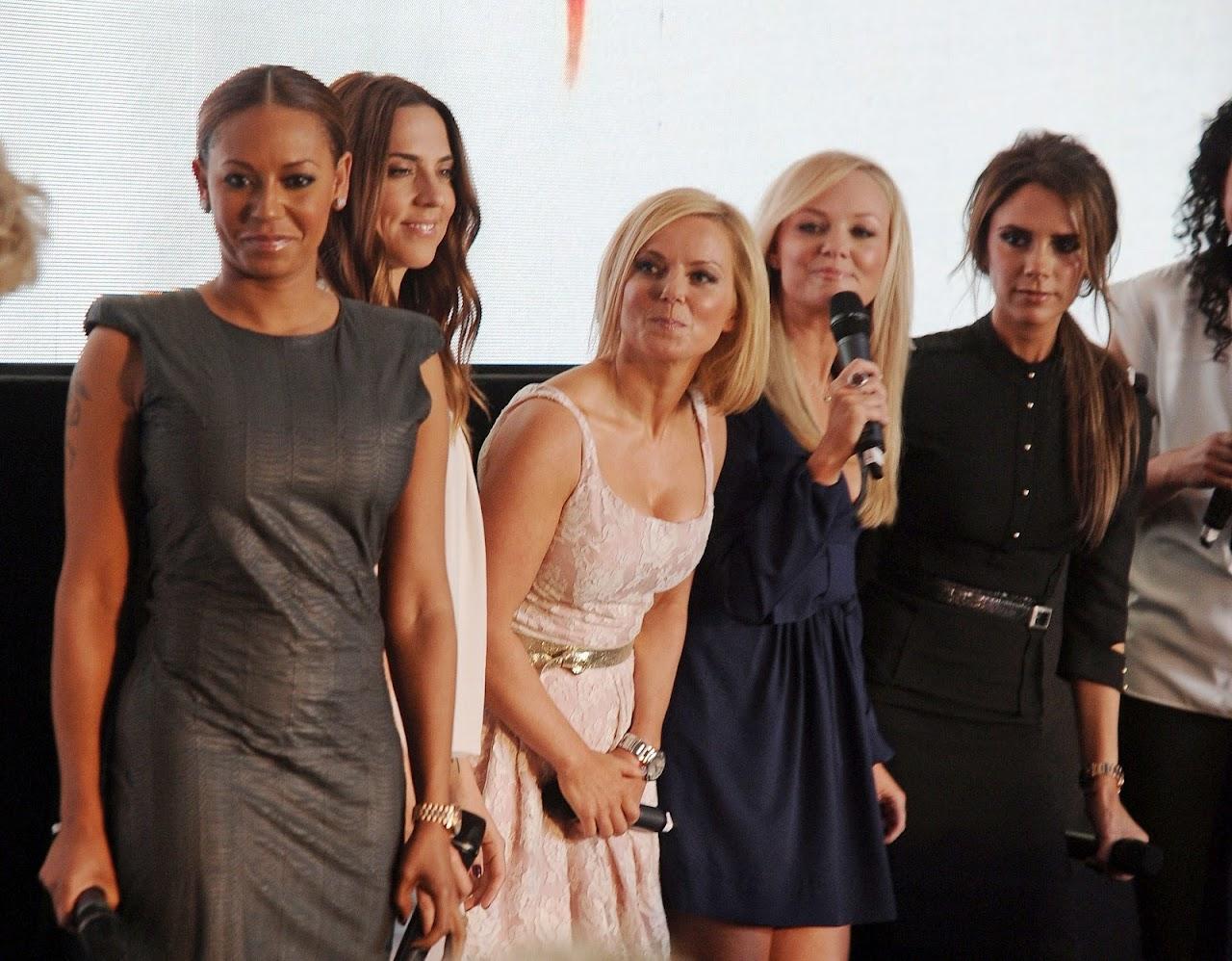 http://2.bp.blogspot.com/-g1p9Fxtpbeo/UCU6CYMoa8I/AAAAAAAAVeM/ZdNJgq1xs0U/s1600/Spice-Girls.jpg