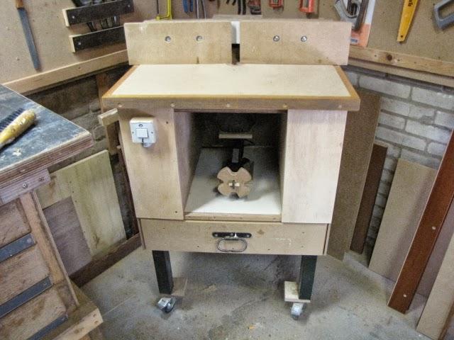 Mesa fresadora con gato de coche, enredandonogaraxe.com