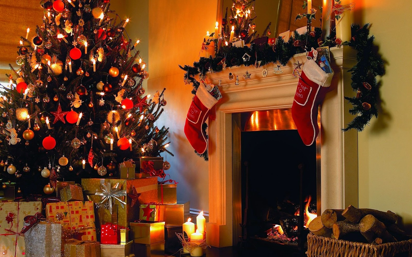 Christmas-fireplace-theme-template-decorating-idea-with-socks-tree-gift-box-image.jpg
