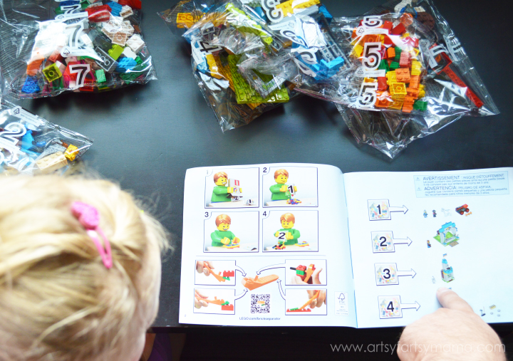 LEGO® Juniors Review at artsyfartsymama.com #LEGOJuniorMakers #CleverGirls