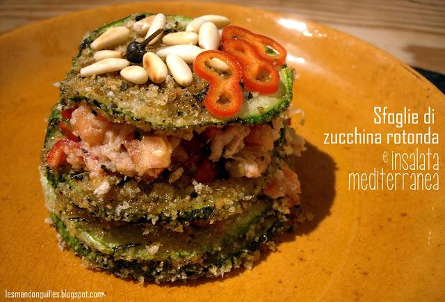 sfoglie di zucchine rotonde con insalata mediterranea