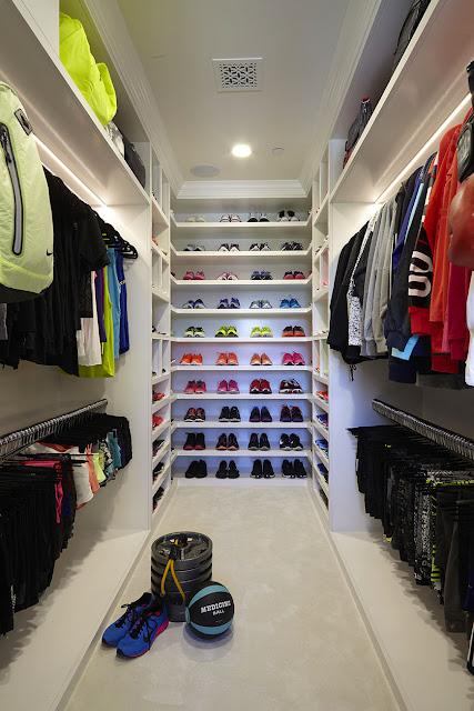 khloe-kardashian-fitness-closet-self-1