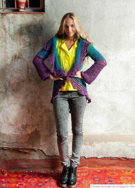 De las Bolivianas tejidos artesanales. Indumentaria femenina tejida.