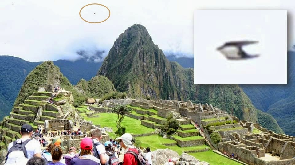 Strange Objects photographed in the sky over ancient Machu Picchu in Peru Ufo_machu_picchu-ancient_peru_1