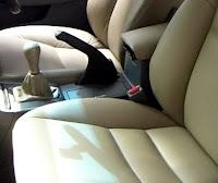 cara mebersihkan jok mobil