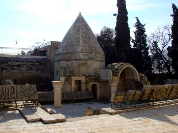 Seyid Yahya Bakuvi's Mausoleum