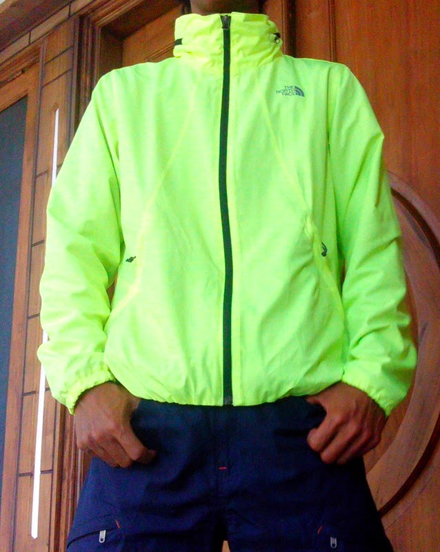 Jaket Running The North Face FLYWEIGHT