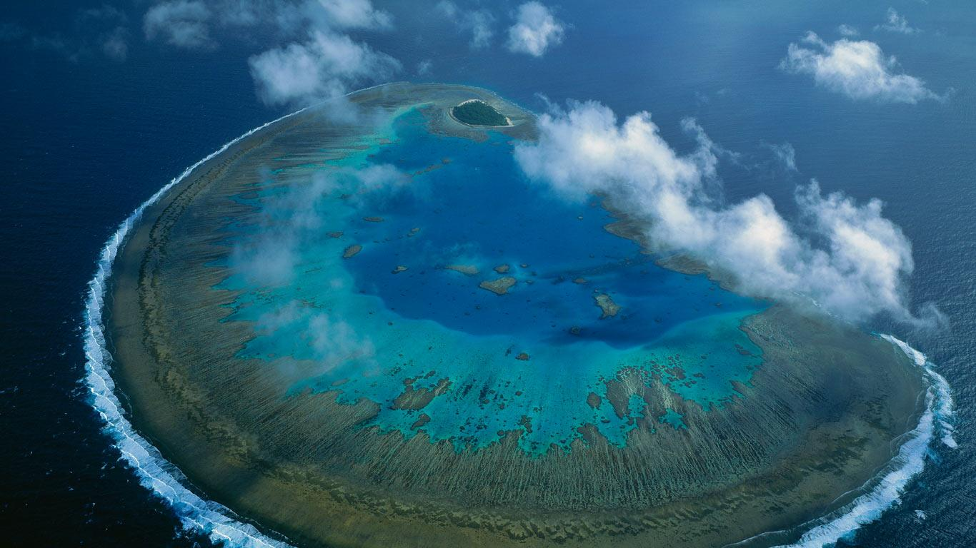 Lady Musgrave Island coral atoll in Capricorn-Bunker group, Great