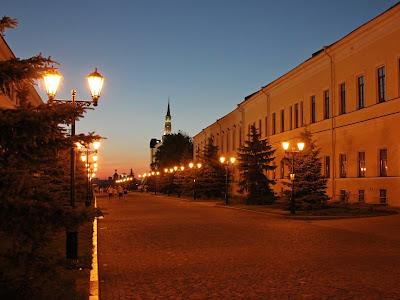 Губернская канцелярия ночью