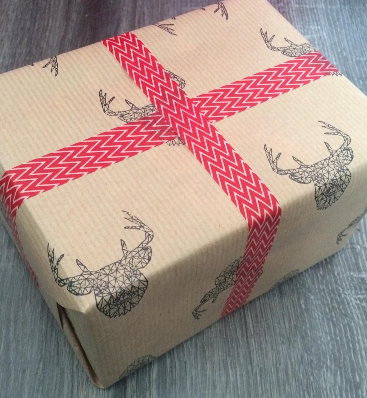 le blog de minimlescrap id e emballage cadeau dt lovely tape flamingo design studio. Black Bedroom Furniture Sets. Home Design Ideas