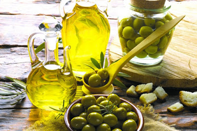 Cure of the olive oil and lemon, ideal for morning