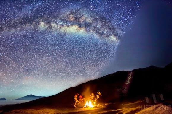 FOTO: Hujan Meteor Eta Aquarid 2014 dari Gunung Bromo