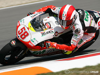 Motorsport community mourns Simoncelli
