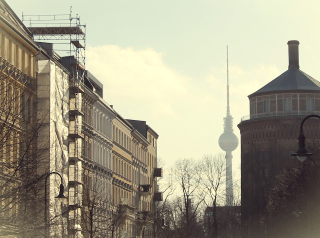Våren i Berlin TV-tårnet Prenzlauer Berg