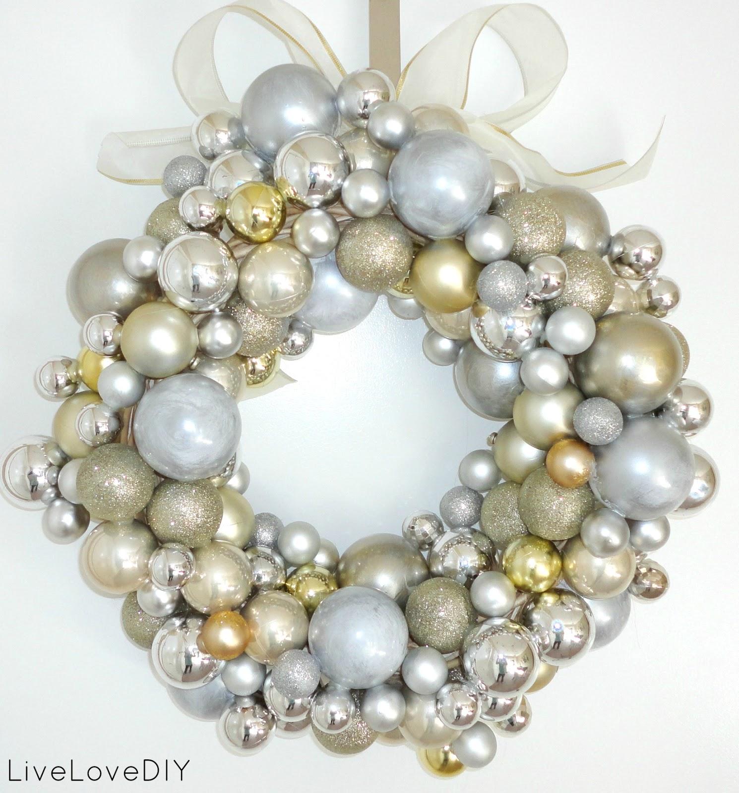 Livelovediy december 2012 christmas ornament wreaths reader versions solutioingenieria Image collections