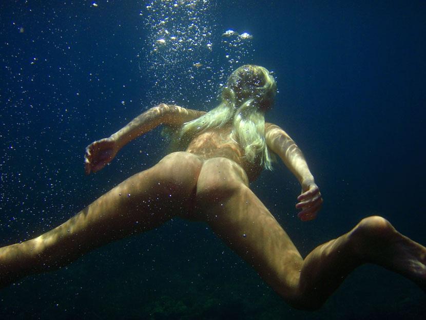 Naked Swimming Underwater Woman Porn Videos Pornhubcom