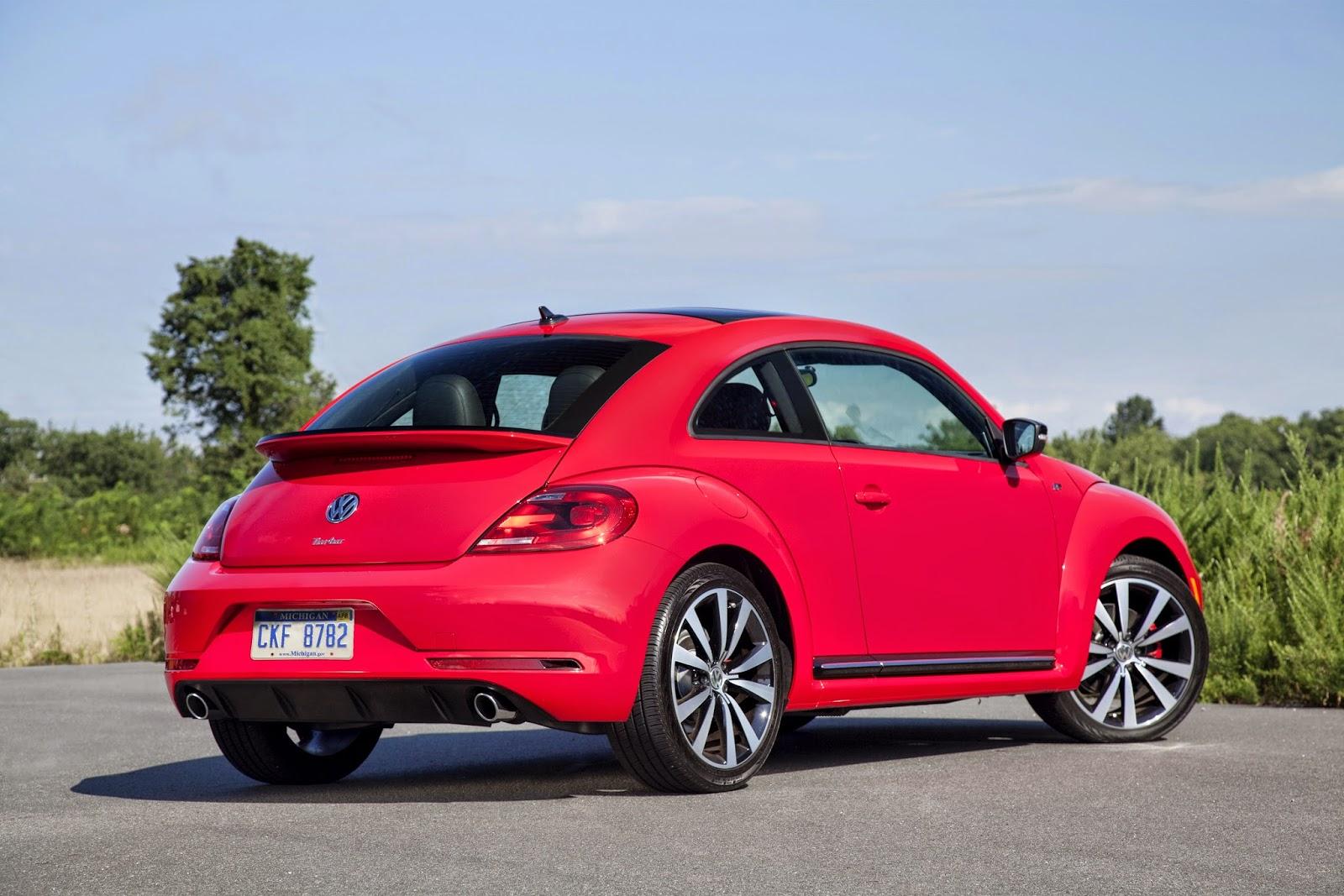 Rear 3/4 view of 2014 Volkswagen Beetle R-Line