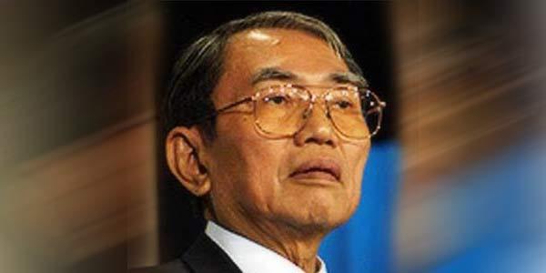 Poto Nurcholish Madjid JIL Cak Nur Cendekiawan Muslim Liberal Biografi Nurcholish Madjid