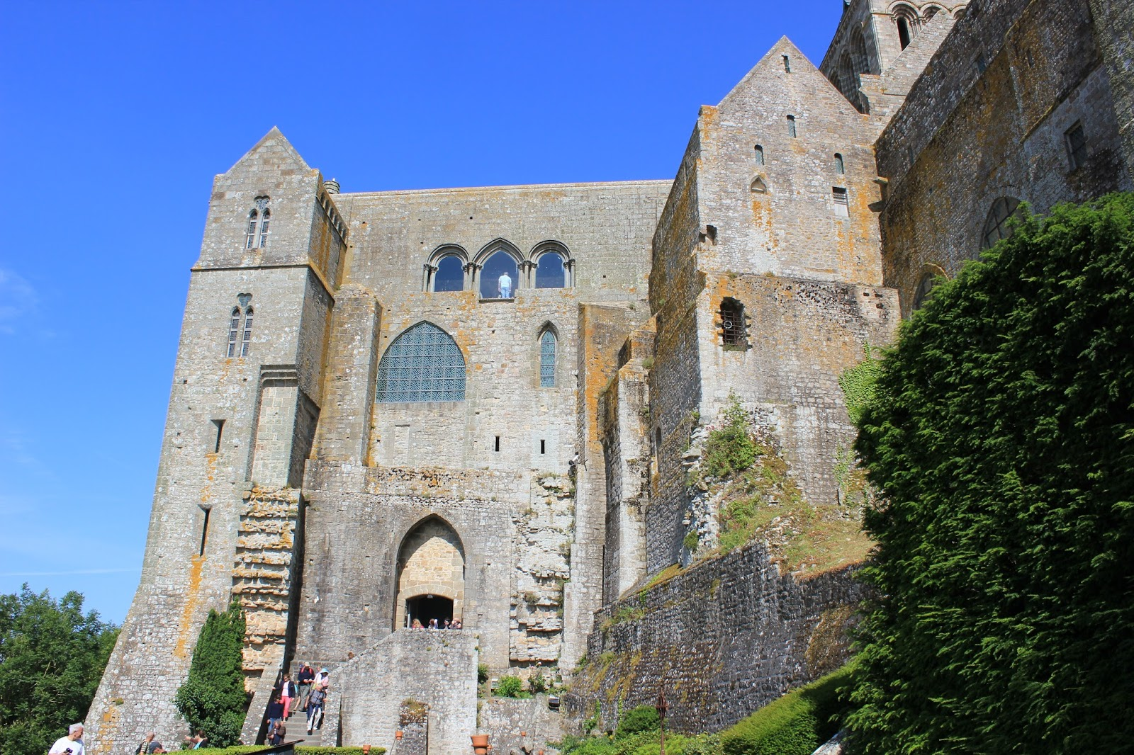 Le blog de robert steuckers mont saint michel juillet 2013 for Au jardin st michel pontorson