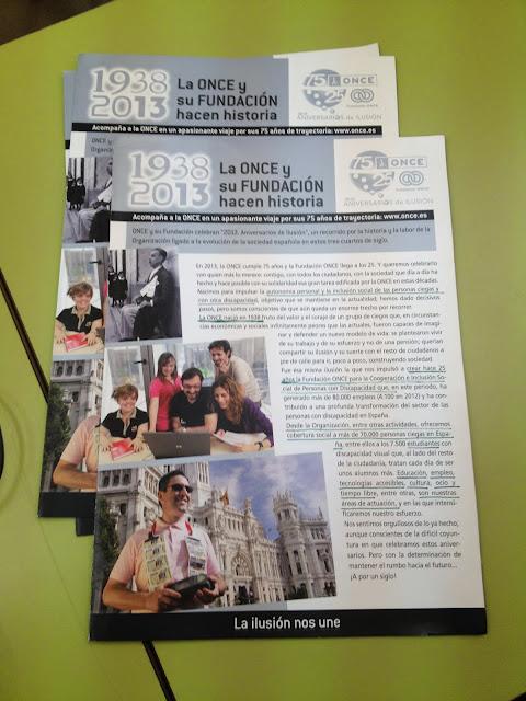la imagen muestra varios folletos subrayados  con rotulador