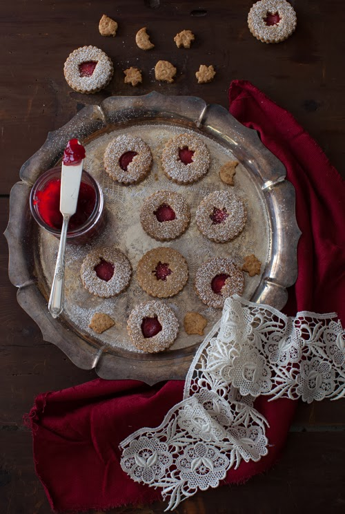 Almond Linzer Cookies with Cranberry Jam at Cooking Melangery