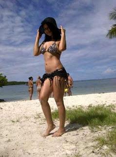 chica en la playa,jpg