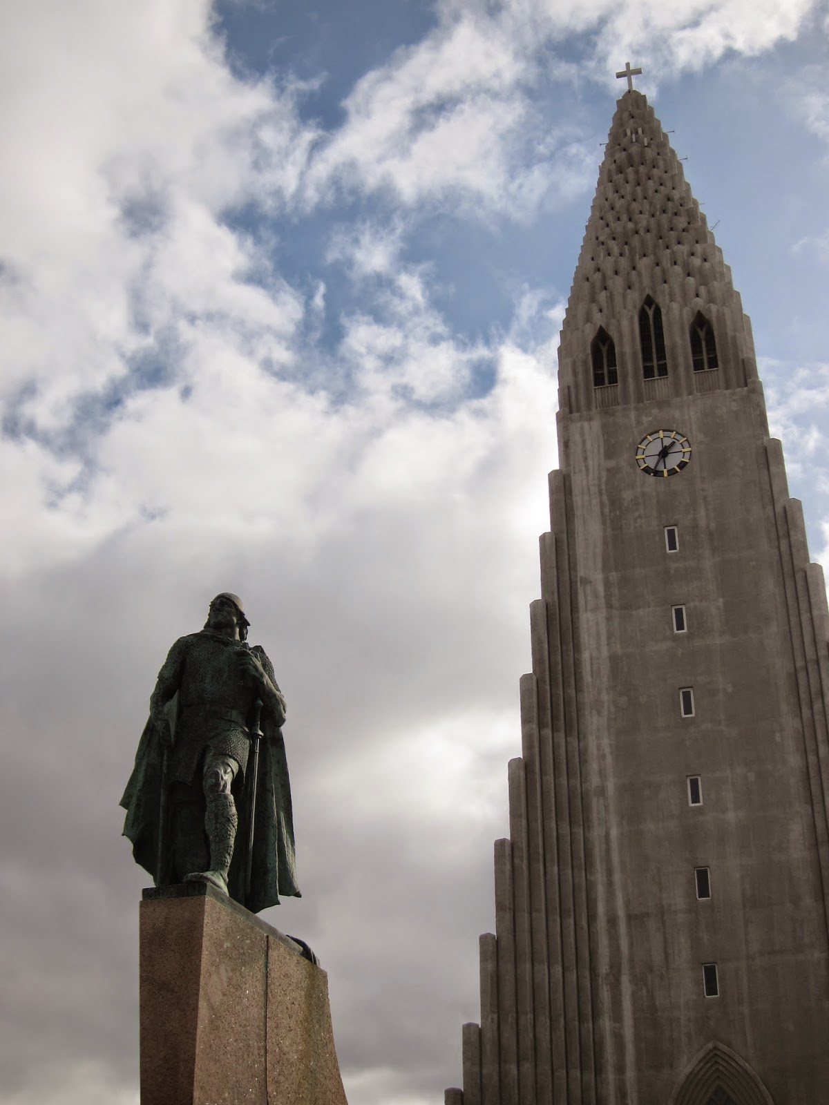 Statue of Leif Erikson
