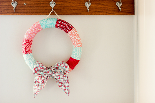 http://www.incolororder.com/2012/12/guest-post-holiday-wrapped-wreath.html