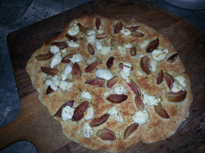 grilled fig and goat cheese pizza