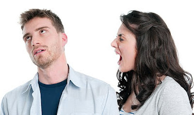 controlling-girlfriend - 5 Signs You're Dating An Emotional Bully