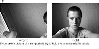 Совет 17. Когда делаете собственный портрет с рук, держите камеру обоими руками.