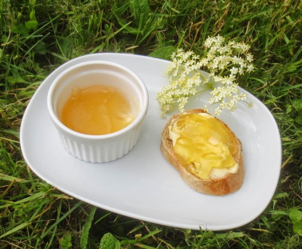 Holunderblüten-Wein-Gelee