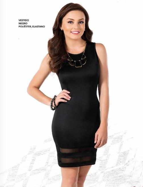 Outfit de vestido negro corto