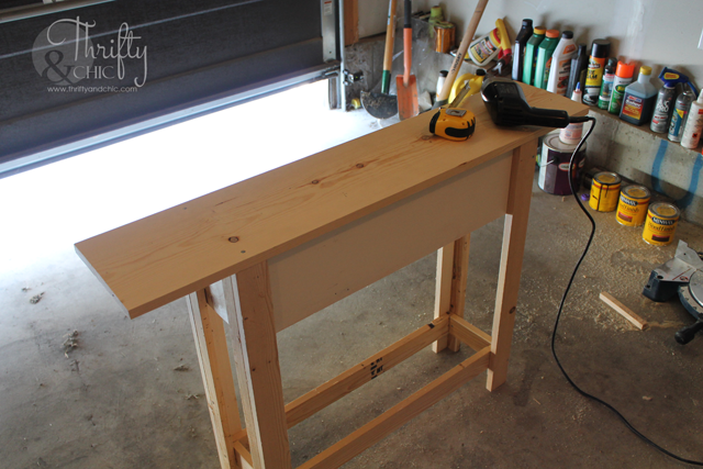 DIY Sofa Table with instructions on how to customize to the size you need!